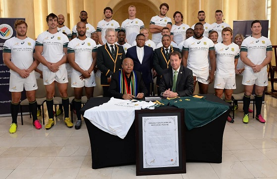 CAPE TOWN, SOUTH AFRICA - JUNE 10: (L-R) Leslie Sedibe (Proudly SA) and Jurie Roux (CEO - SA Rugby) during the South African national rugby team Captains media conference and team photograph at Cullinan Hotel on June 10, 2016 in Cape Town, South Africa. (Photo by Ashley Vlotman/Gallo Images)